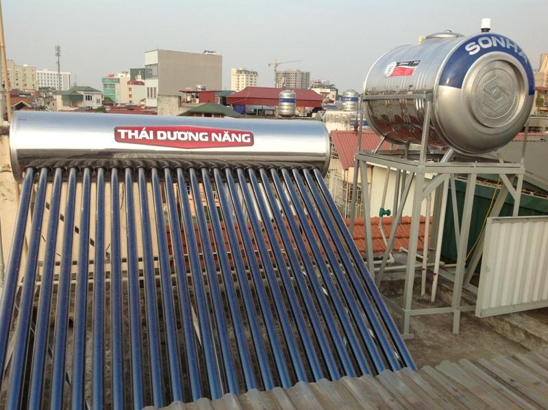 cách lắp năng lượng mặt trời Thái Dương năng với bồn nước Sơn hà